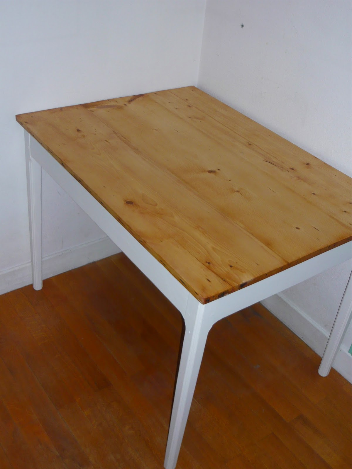 La petite verri re table de cuisine ann es 50 avant apr s - La petite table eygalieres ...