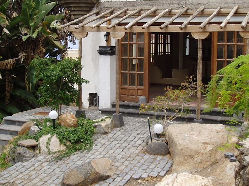 Bassalto piedra artificial el adoqu n bassalto piedra artificial - Jardines con adoquin ...