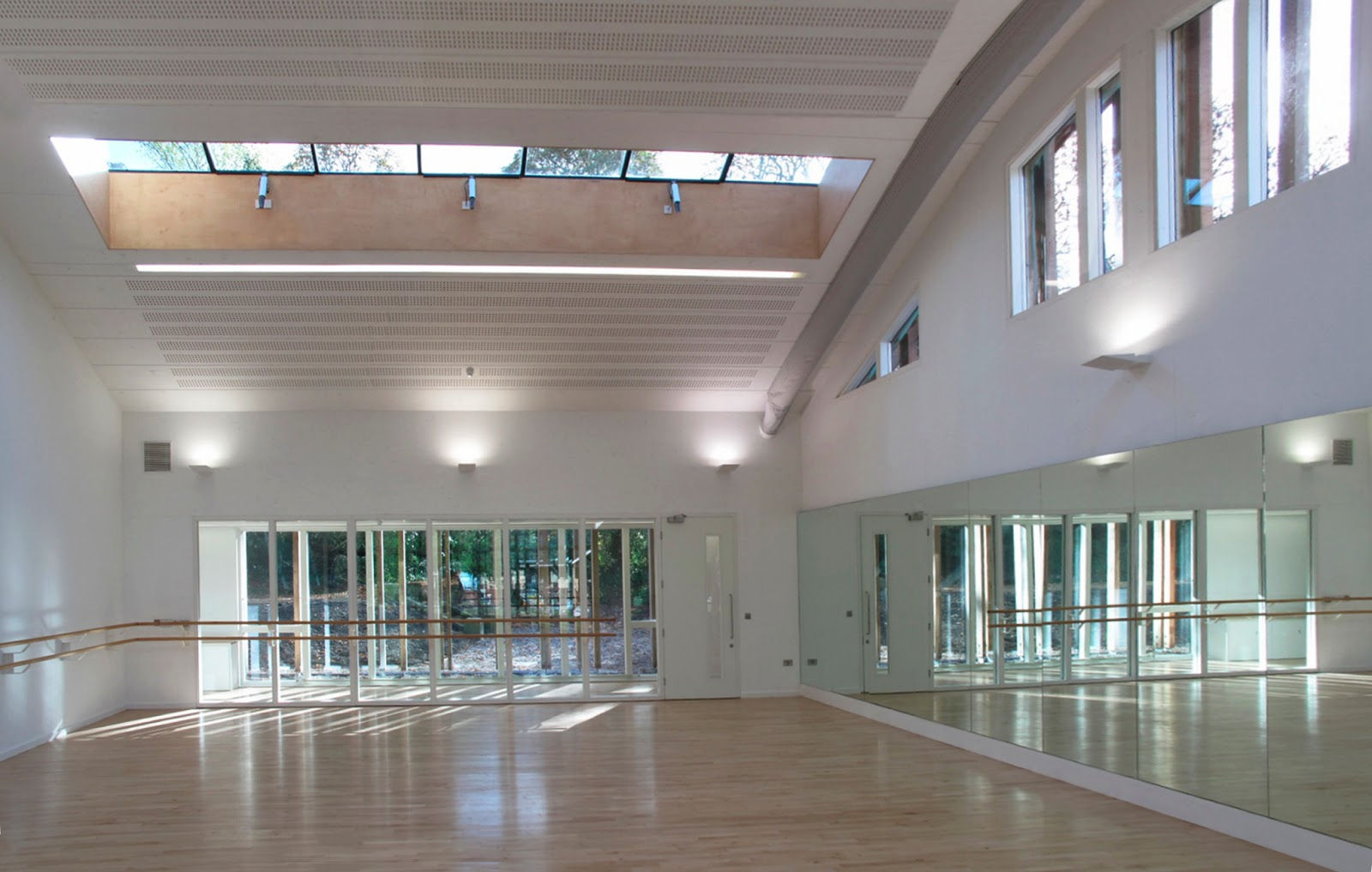 Burrell foley fischer llp dance studios at tring park for Porte arts and dance studio