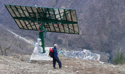 Viganella vila italiana  recebe luz solar de um espelho gigante