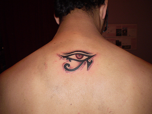 mejores tatuajes ojo de ra