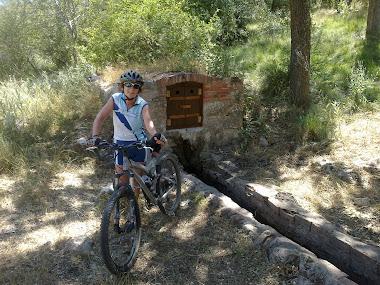 Fuente del Pocico y Cortados de Cabezón, con Rosa Mari.04.08.2012