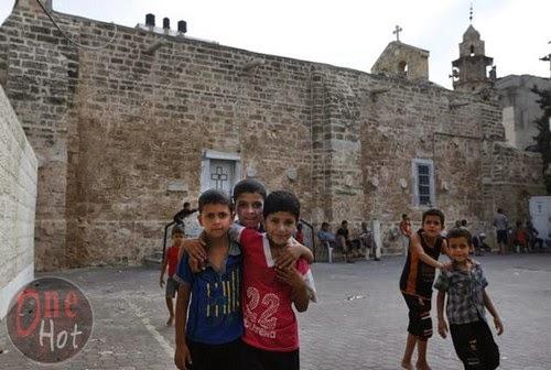 Warga Muslim Gaza mengungsi di Gereja Ortodoks Yunani 2