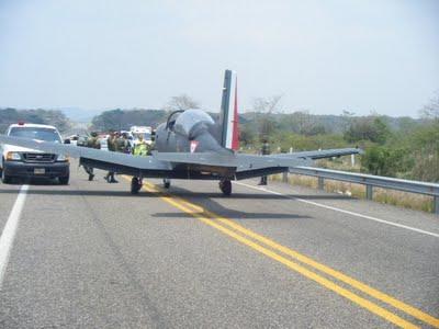 Accidentes de Aeronaves de la  FAM. Noticias,comentarios,fotos,videos.  - Página 2 Avi%25C3%25B3n%252B%25283%2529%255B1%255D..