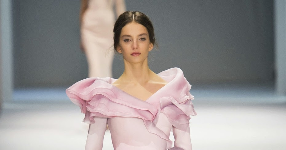 Fashion Show: Ralph & Russo Haute Couture Spring 2015
