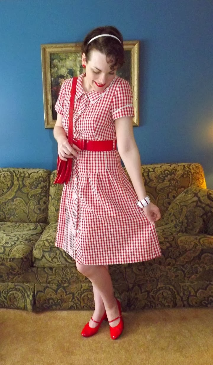 1950s style, 50s style, fashion, red checker print, check printed, red and white, fit and flare, housewife, picnic, peter pan collar, bow belt, vintage, retro, A Coin For the Well, Suzanne Amlin, Windsor Ontario fashion blog, style blogger