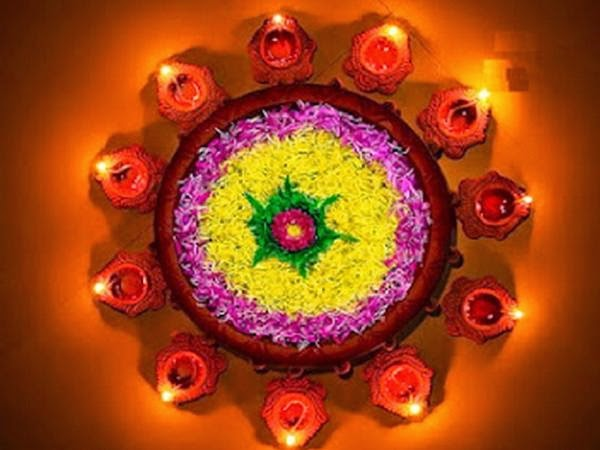 Rangoli Designs and Patterns with Lamps for Diwali 8