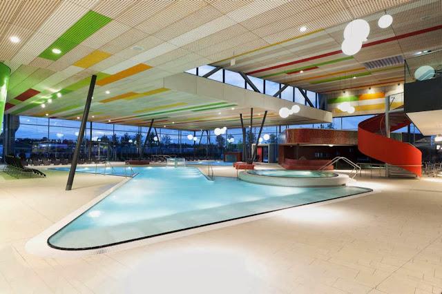 07-Fellbach-Family-and-Recreational-Baths-by-4a-Architekten