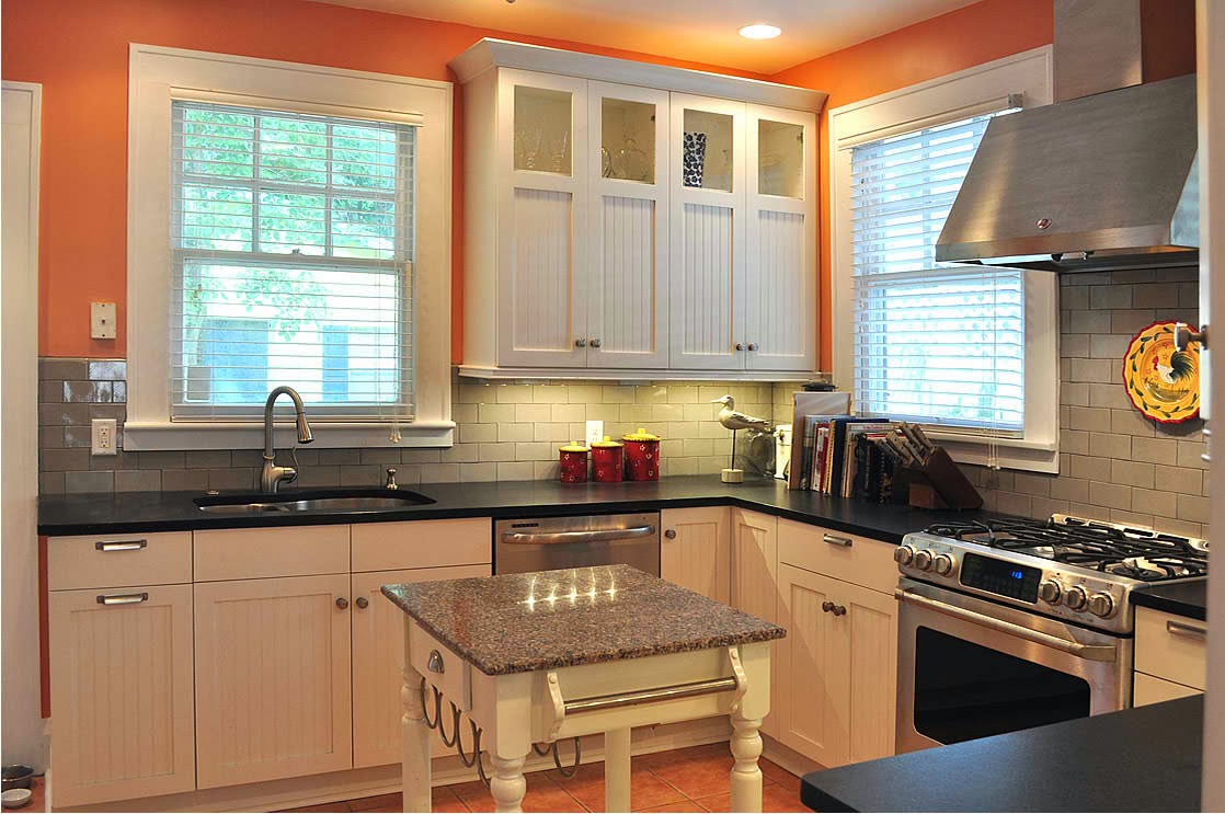 Great kitchen cabinet ideas for your kitchen designs for for Angled kitchen cabinets
