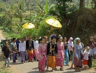 NYANGKOLAN, Tradisi Masyarakat Lombok