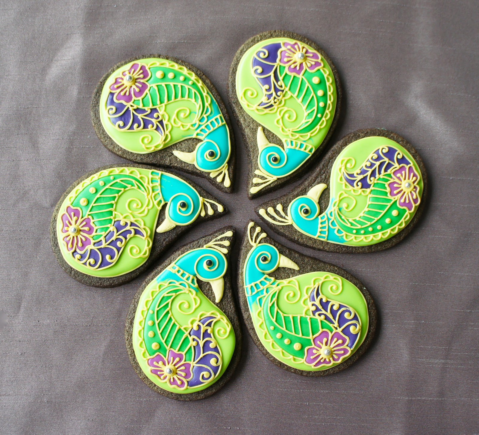 Montreal Confections Henna peacock cookie tutorial