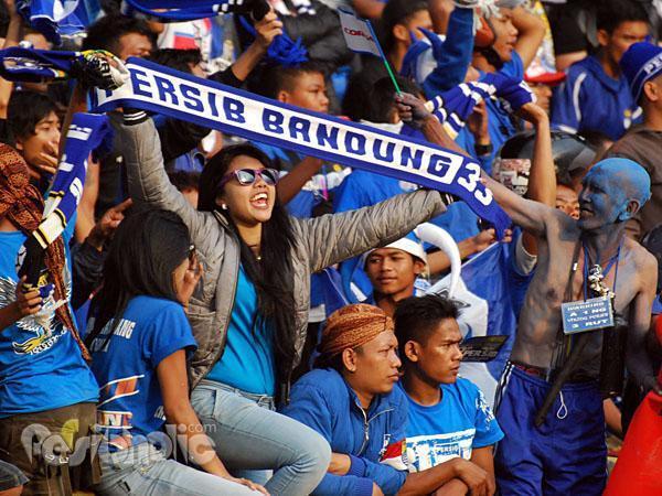 Bobotoh Wanita Persib Maung Bandung