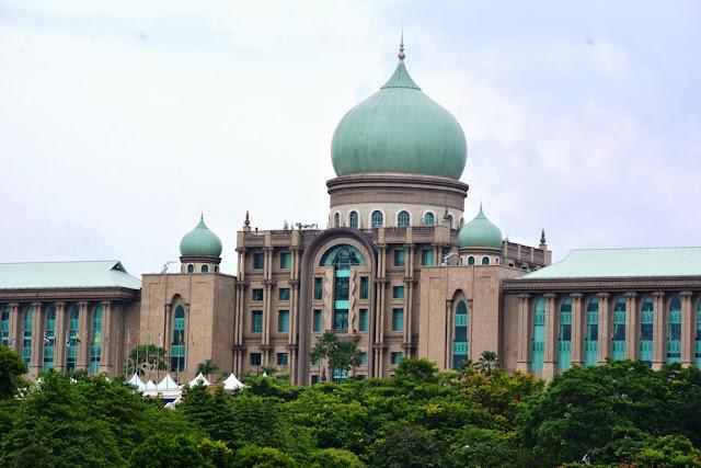 Tasik River Cruise Putrajaya Ministry