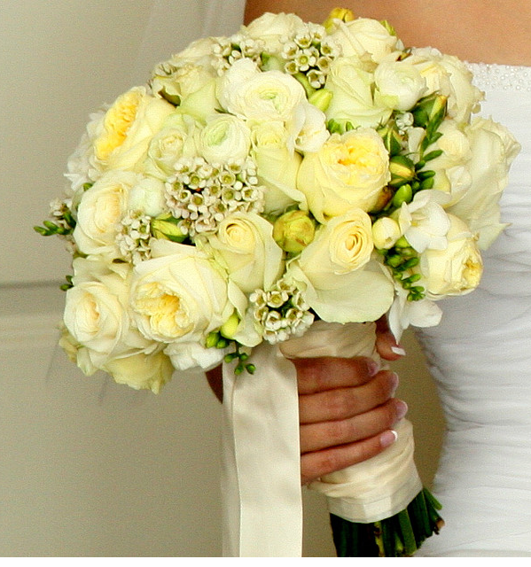 White And Yellow Flowers Bouquet A Country Rose ...