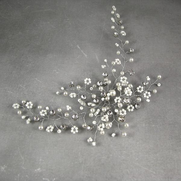 Stroik ślubny z kryształkami i perłami - gipsówka.