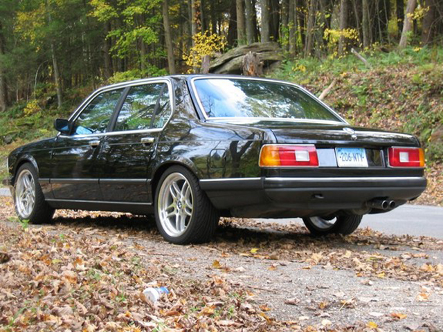 Automotive Database: BMW 7 Series (E23)