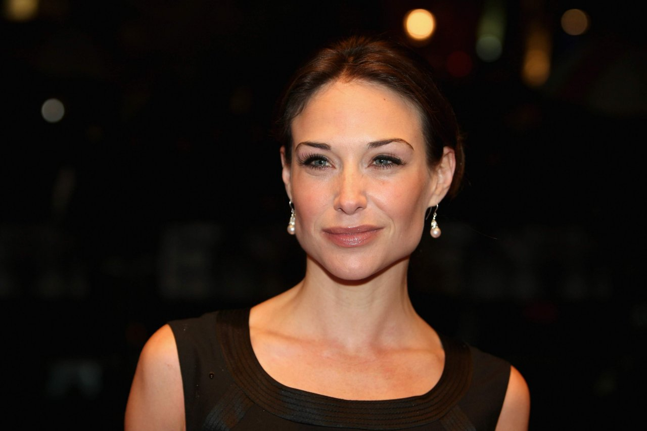 Claire Forlani - HD Wallpapers