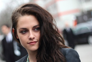 Kristen Stewart finding Robert Pattinson split hard