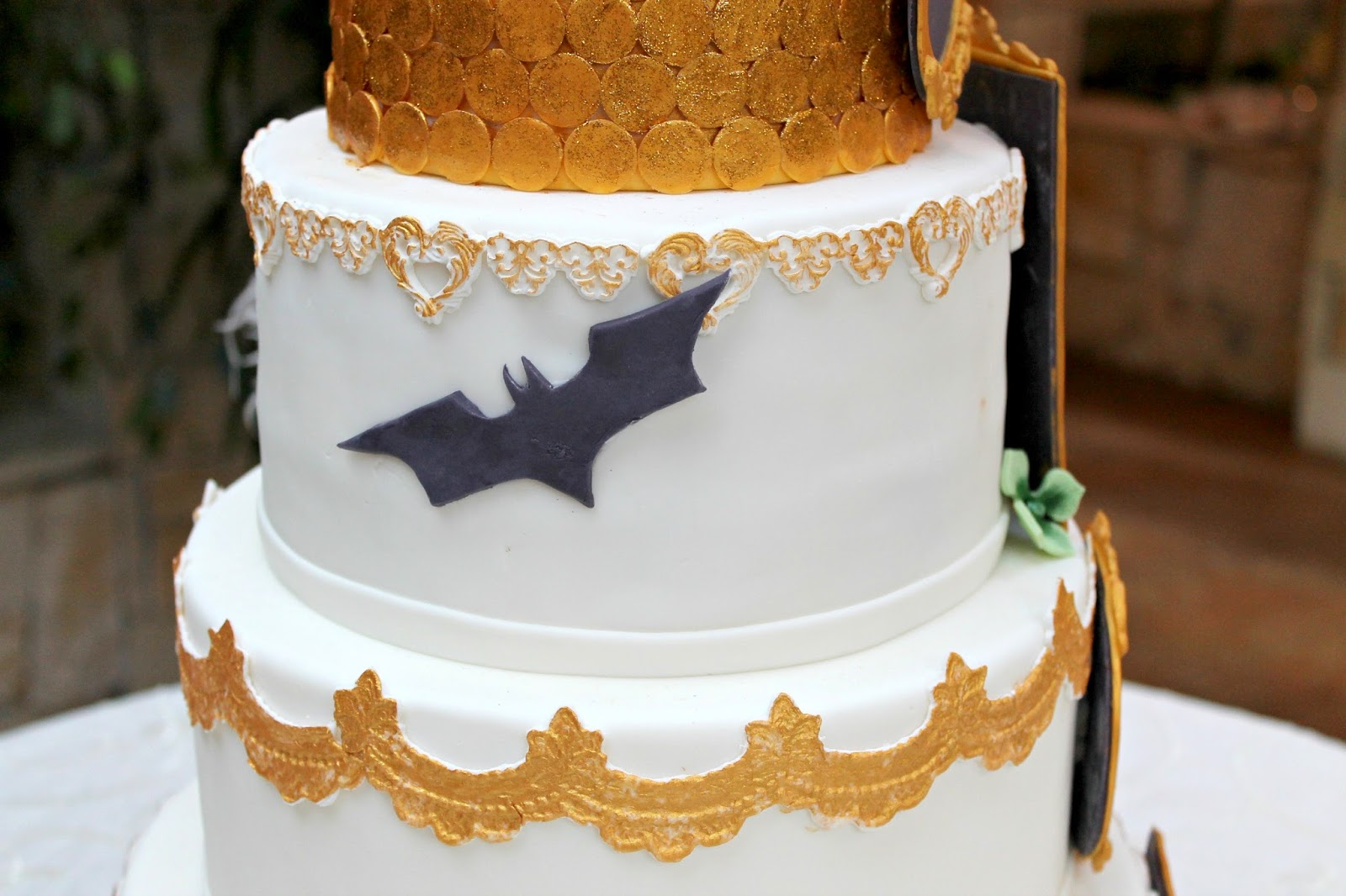 Unique Wedding Smash Cake Frieze - The Wedding Ideas ...