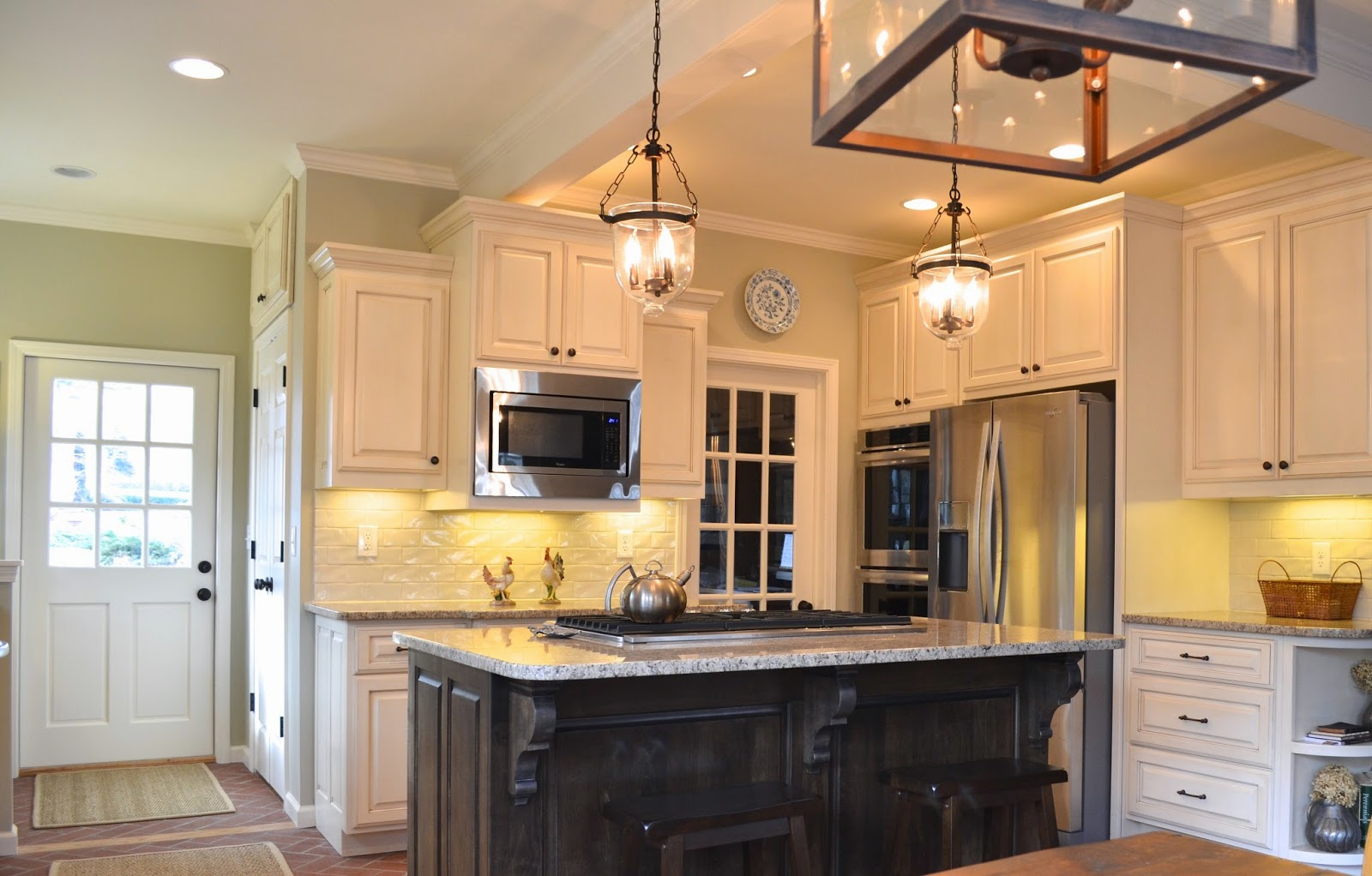 Bellissimo and bella maja kitchen reno before and after for Galley kitchen with breakfast nook