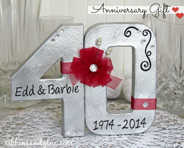 Wedding Anniversary Gift Ideas Diy : DIY Anniversary Gift -- give this fun gift for any wedding anniversary ...
