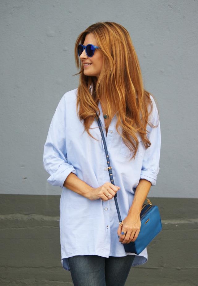 Camisa azul XXL y bolso MIu MIu
