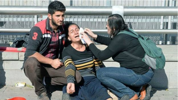 Atentado em manifestação deixa dezenas de mortos na Turquia