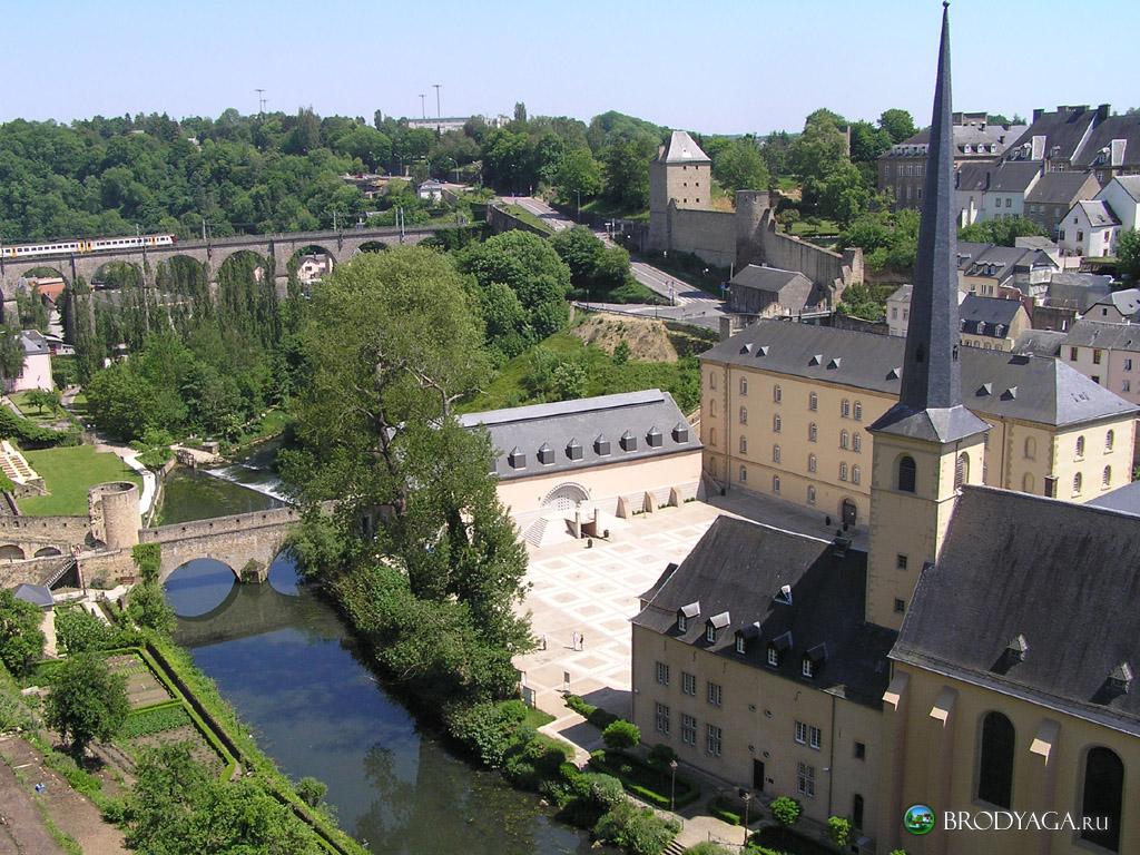 ... square kilometers 998 square miles language luxembourgish german