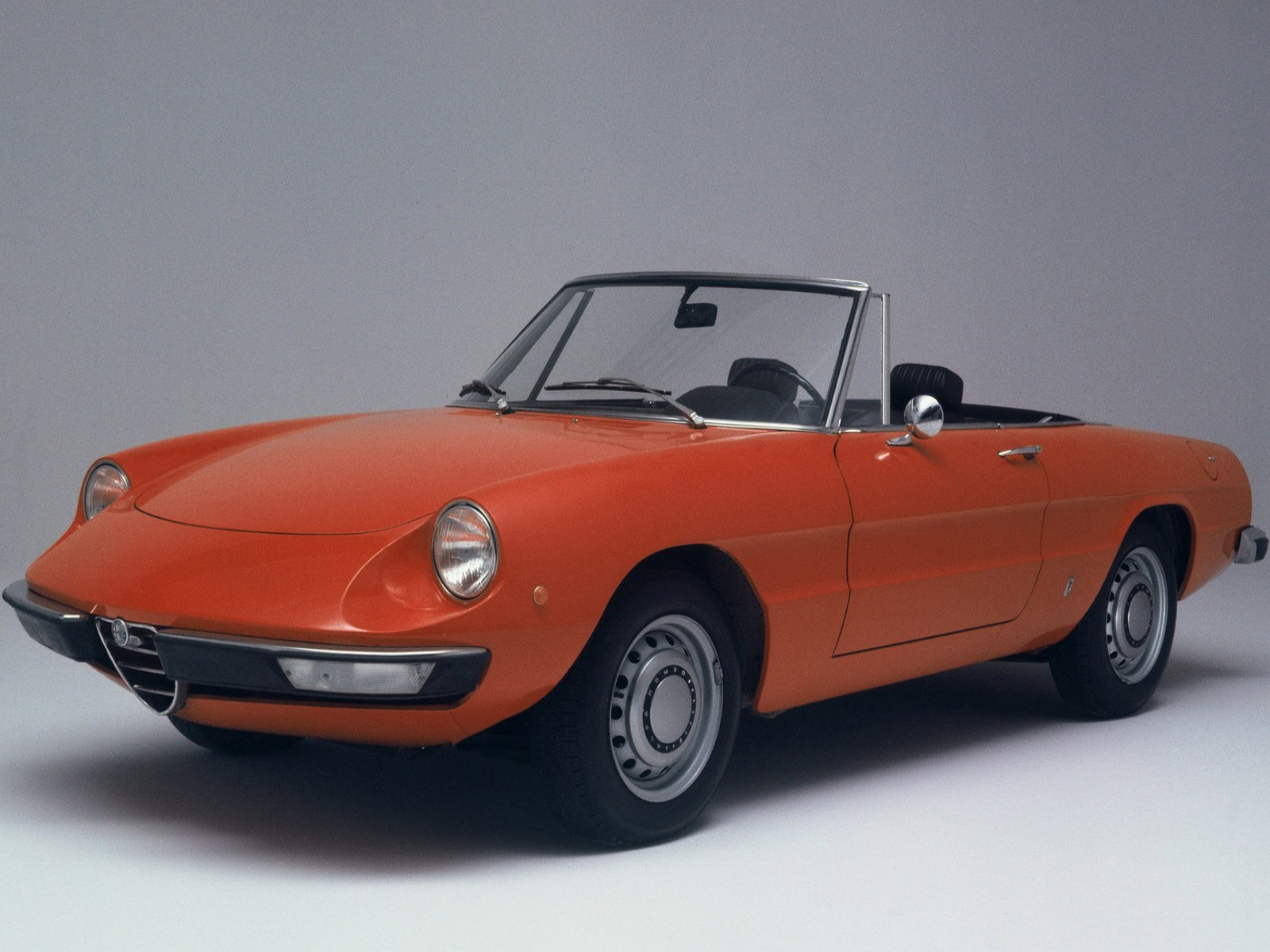 alfa romeo spider images start 50 WeiLi Automotive Network