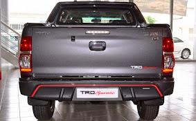 Toyota Hilux TRD Sportivo 2015_2