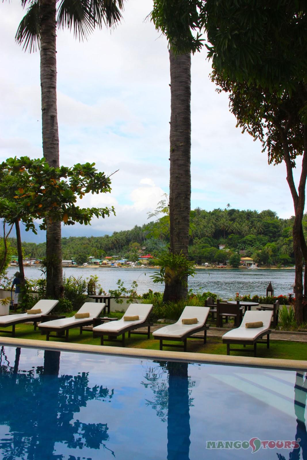 Puerto Galera Buri Resort & Spa Mango Tours Philippines pool side