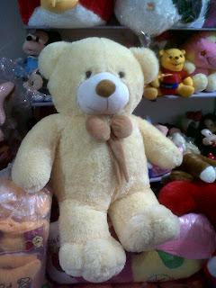 gambar boneka beruang besar krem