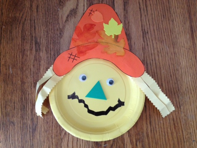 Scarecrow Paper Plate Craft & Seconds to Change: Scarecrow Paper Plate Craft