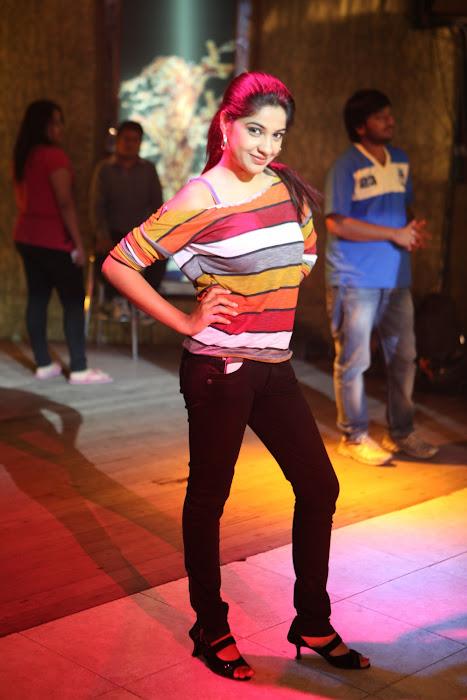 kavya singh actress pics