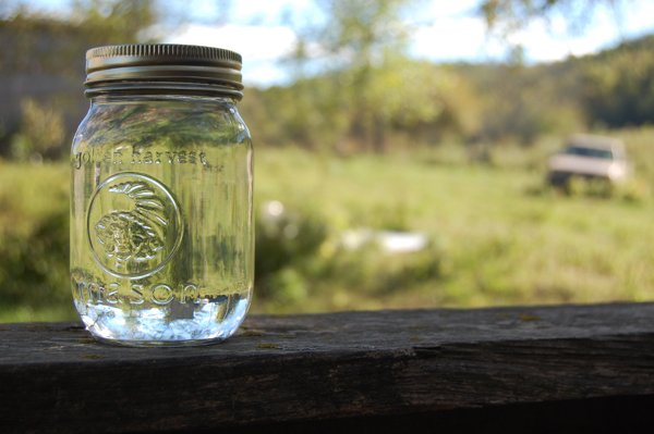 mason jar moonshine -#main