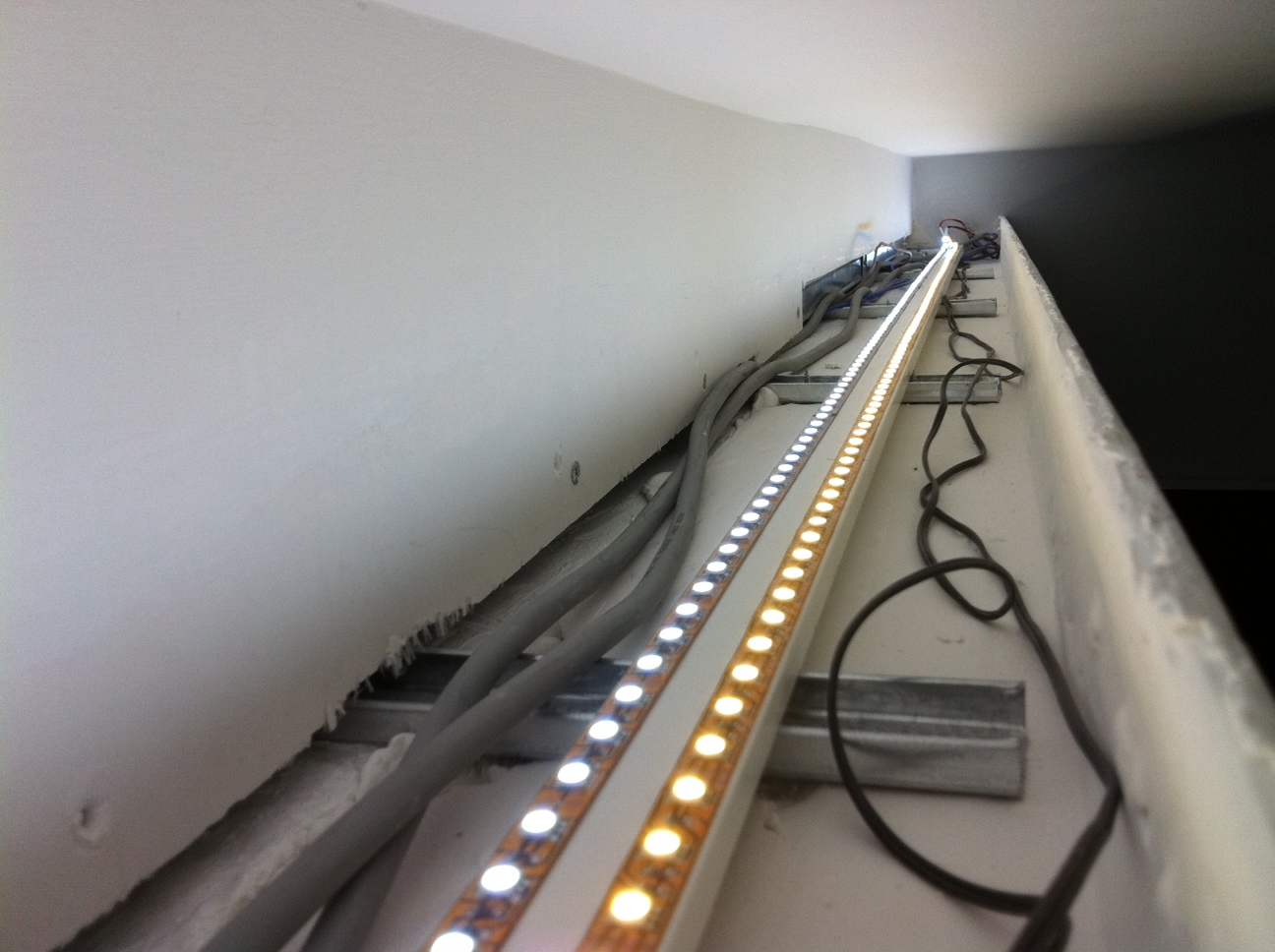 False Ceiling Led Lights Size : Our own place guide to led cove lighting