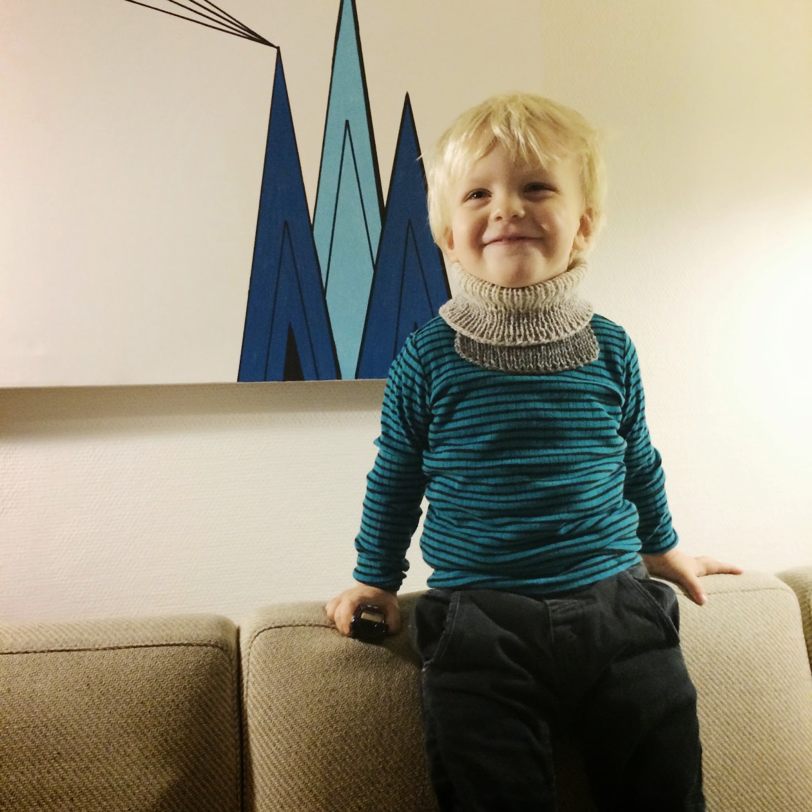 Free knitting pattern from Meraki, cowl for toddlers