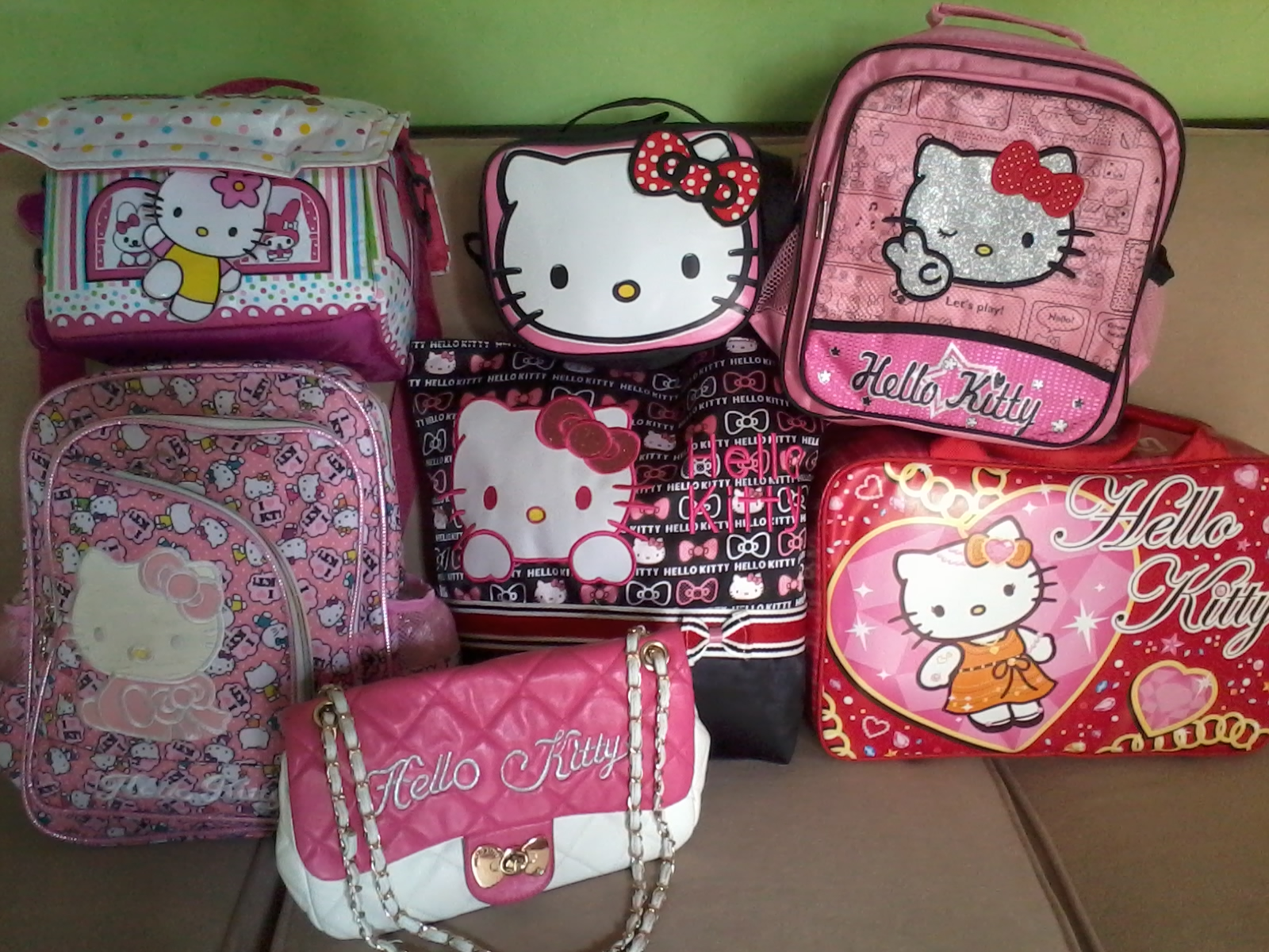 Tas Hello Kitty Ransel Rp 135 000 belum ongkir