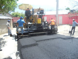 Gobierno asfalta calles de Neiba