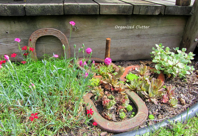 Horse Shoe Game in the Garden www.organizedclutterqueen.blogspot.com