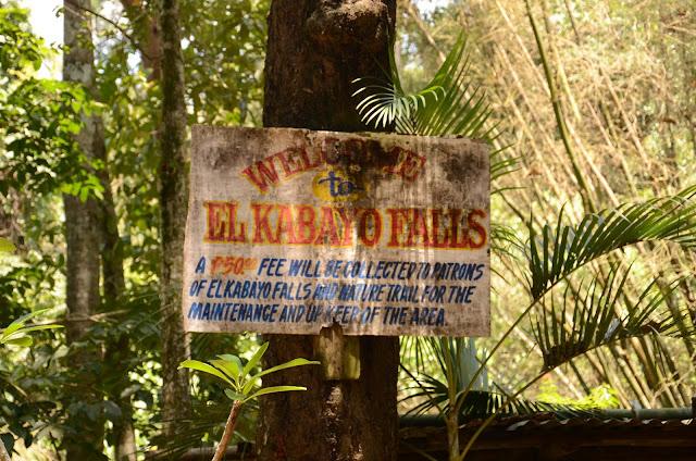El Kabayo waterfall sign