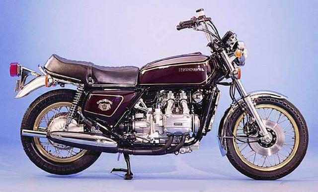 101CV: Honda Goldwing, tan joven... tan clásica...