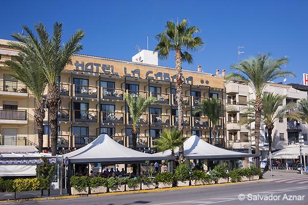 http://www.diariosdeunfotografodeviajes.com/2014/10/la-cabana-hotel-y-restaurante-en.html