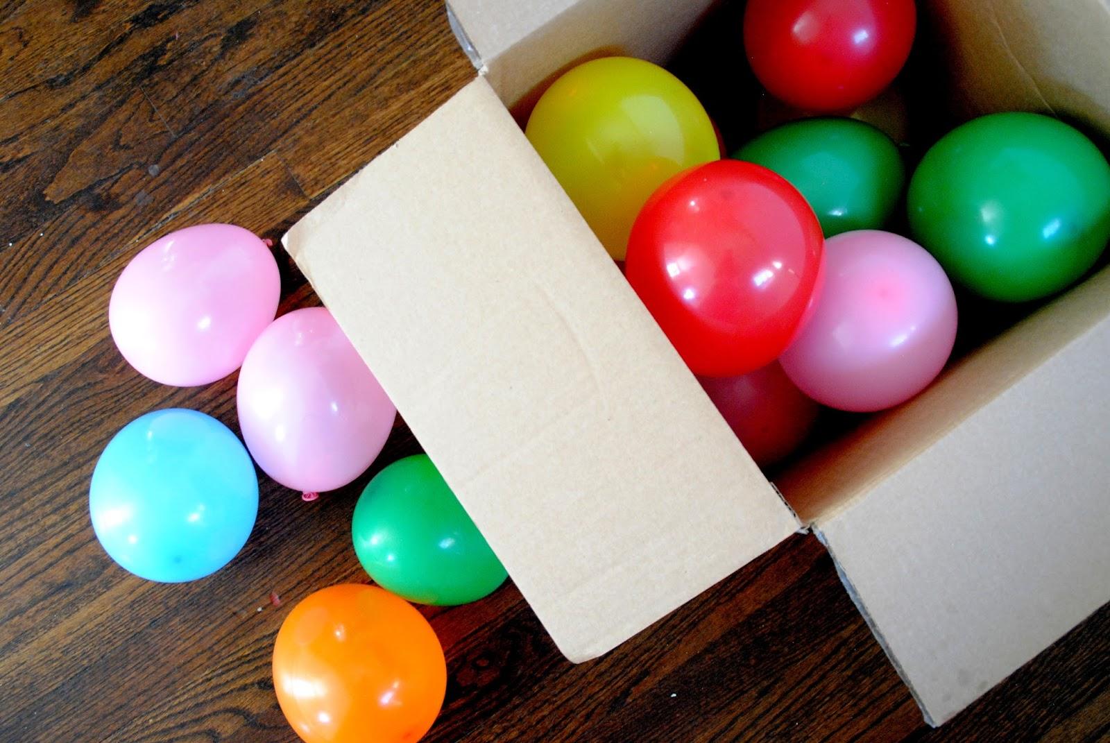 Подарок с шариками фото