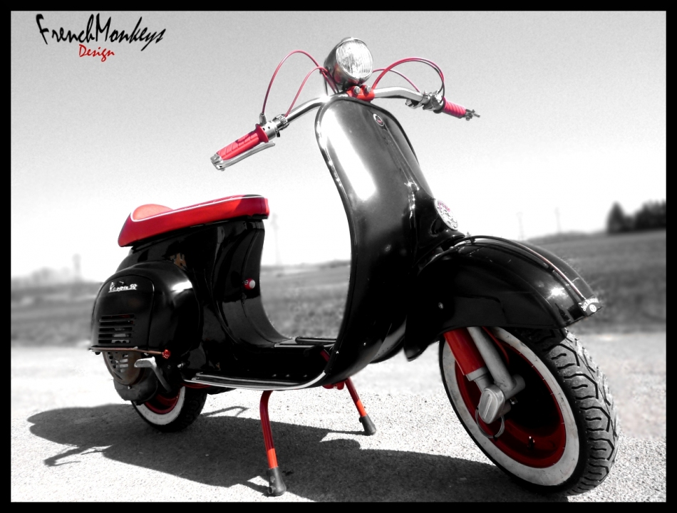 Kustom vespa rocketgarage cafe racer magazine for Vespa cafe racer