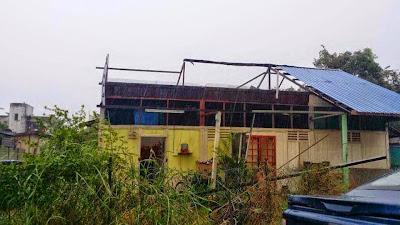 Kerosakan rumah akibat ribut Pandamaran