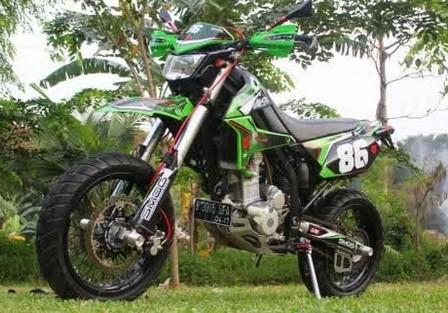 Foto Gambar Modifikasi Motor Kawasaki Z250SL Ala Supermoto Keren