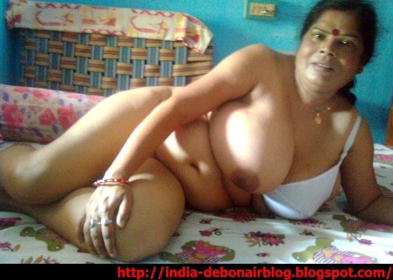 nude old Indian aunty