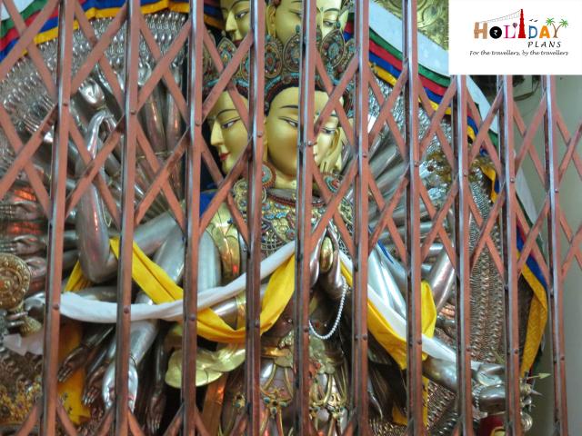 Statue of Chenresig Statue of Guru Rinpoche