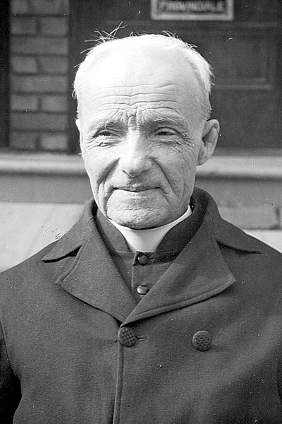 Br. St. André Bessette (Click pic to read story)